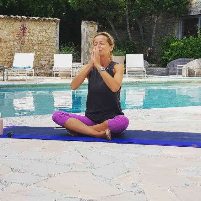 A moment of zen (well needed) on the terrace #yoga#yogapractice#meditation#peace#loveyourself#manoir#mougins#provence