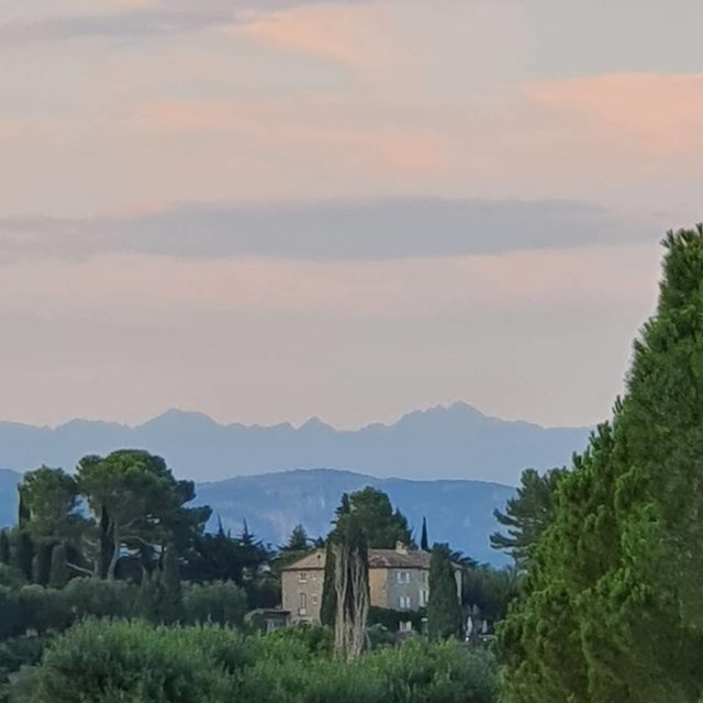 Thank you Christine for this lovely photo (sans filtre). Come back soon. Miss you already. #paysage#landscape#provence#arrierepays#hills#mougins