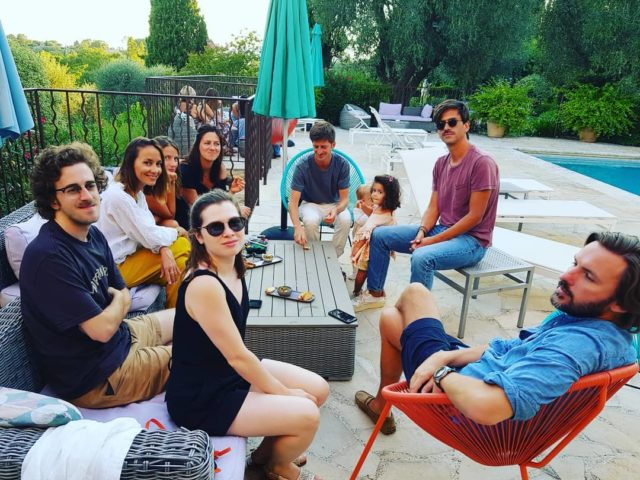 Merci la famille Ohanessian de venir prendre l'apero sur notre terrasse. Je vous adore! #apero#terrasse#jardin#hotel#mougins