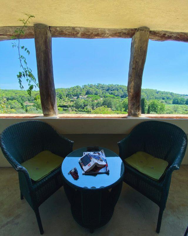🌿Room 9🌿 • 🌸Chambre 9🌸 • #hotel #cotedazur #provence #nice #hiddengem #vacation #vacationmode #restaurant #balcony #view #viewfrance #mougins