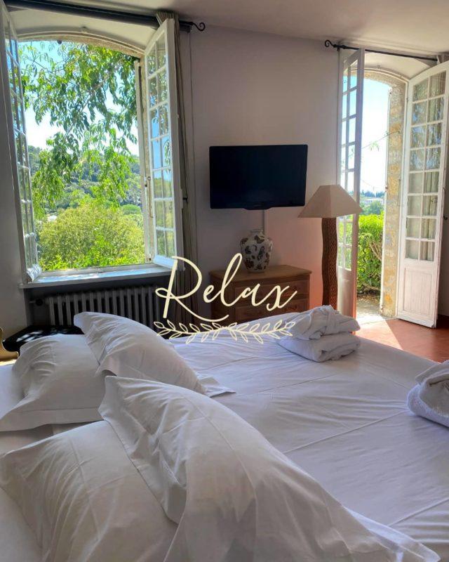 """Été comme hiver, venez vous """"lover"""" dans les chambres du Manoir de l'Etang... 🌿 Spacieuses et confortables, vous y serez comme dans un doux cocon✨🌜 Rdv sur notre site ➡️ www.manoir-de-letang.com . . . . . . #manoirdeletang #manoirdeletangmougins #hotel #luxuryhotel #boutiquehotel  #restaurant #holiday #vacation #mougins #france #cotedazur #frenchriviera #southoffrance #luxury #restaurant #frenchrestaurant #restaurantmougins #food #instafood #pornfood #traveltheworld #travel #travelblog #travelgram #tourism #hotellife #photography #hotelphotography #relax #chill"""