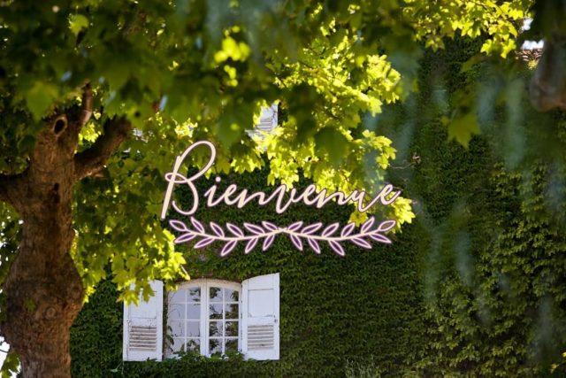 ✨ BIENVENUE ✨ Le temps d'une nuit ou plus, posez vos valises au Manoir de l'Etang et savourez votre venue au cœur de Mougins. Notre équipe se fera un plaisir de vous recevoir et de parfaire votre séjour✨ Réservations & informations par mail ➡️ manoir.etang@wanadoo.fr / Rdv sur notre site ➡️ www.manoir-de-letang.com . . . . . #manoirdeletang #manoirdeletangmougins #hotel #luxuryhotel #boutiquehotel  #restaurant #holiday #vacation #mougins #france #cotedazur #frenchriviera #southoffrance #luxury #restaurant #frenchrestaurant #restaurantmougins #food #instafood #foodporn #traveltheworld #travel #travelblog #travelgram #tourism #hotellife #photography #hotelphotography #manor #chill #escapade