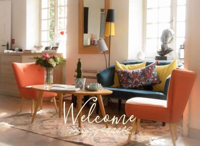 ✨ Installez-vous confortablement dans notre salon, détendez-vous autour d'une boisson...nous vous apportons les clés de votre chambre... Bon séjour au Manoir de l'Étang ! Réservations & informations par mail ➡️ manoir.etang@wanadoo.fr / Rdv sur notre site ➡️ www.manoir-de-letang.com . . . . . #manoirdeletang #ManoirdeletangMougins #hotel #luxuryhotel #boutiquehotel  #visitcotedazur #francetourisme #hotelrooms #mougins #france #cotedazur #frenchriviera #southoffrance #cotedazurnow #frenchrestaurant #restaurantmougins #hotelenfrance  #hotelsuddelafrance #hotelcotedazur #suddelafrance #visitcotedazur #hotellife #piscine #hotelphotography #manoir #chill #escapade #weekend #condenasttraveller #mouginstourisme 📸 @kahuete14 @mouginspourvous