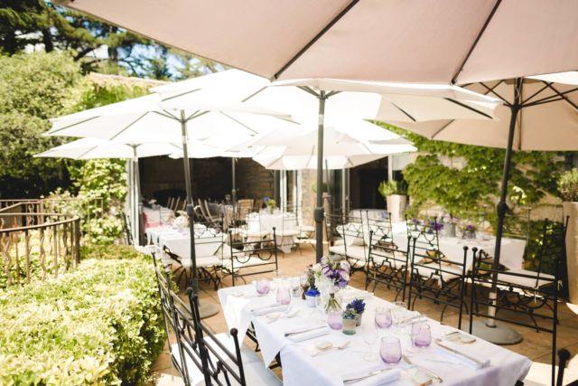 Avec ses deux terrasses panoramiques, notre Restaurant vous accueille du jeudi au lundi (midi et soir) et notre carte vous propose une sélection de plats élaborés avec des produits frais et de qualité. Réservez votre table et profitez du calme ce week-end au Manoir de l'Étang ✨  »» ʀésᴇʀᴠᴀᴛɪᴏɴs & ɪɴғᴏʀᴍᴀᴛɪᴏɴs ᅳᅳ► 0492283600 ᴏᴜ ᴍᴀɴᴏɪʀ.ᴇᴛᴀɴɢ@ᴡᴀɴᴀᴅᴏᴏ.ғʀ »» ʀᴅᴠ sᴜʀ ɴᴏᴛʀᴇ sɪᴛᴇ ᅳᅳ► ᴡᴡᴡ.ᴍᴀɴᴏɪʀ-ᴅᴇ-ʟᴇᴛᴀɴɢ.ᴄᴏᴍ . . . . . #manoirdeletang #ManoirdeletangMougins #hotel #luxuryhotel #boutiquehotel  #visitcotedazur #holiday #vacation #mougins #france #cotedazur #frenchriviera #southoffrance #cotedazurnow #frenchrestaurant #hiphotels #restaurantmougins #hotelenfrance #hotelsuddelafrance #hotelcotedazur #suddelafrance #explorefrance #cotedazurfrance #costaazzura #hotelphotography #chill #escapade #weekend #condenasttraveller #mouginstourisme @villedemougins @mouginspourvous @mouginstourisme