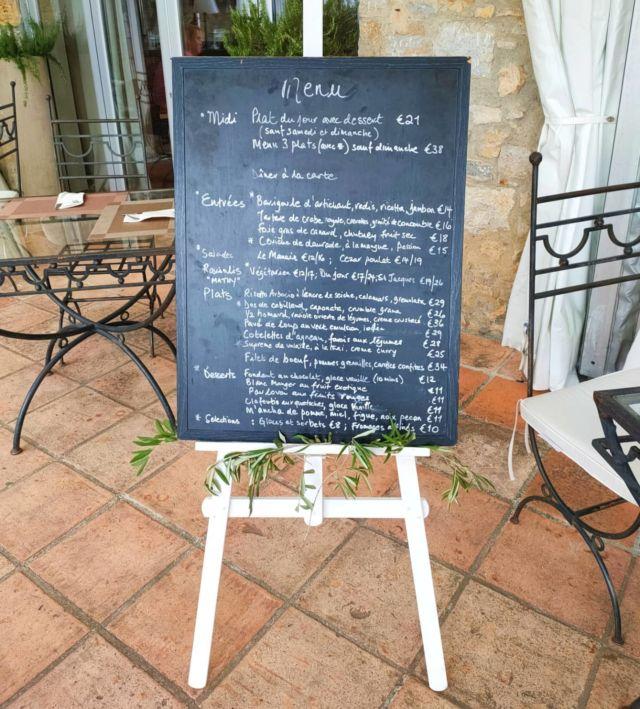 Aujourd'hui notre Restaurant n'attend que vous ! Midi & soir, du jeudi au samedi, notre Carte vous propose de délicieux mets composés uniquement de produits frais 🌿 Il ne vous reste plus qu'à réserver votre table !  »» ʀésᴇʀᴠᴀᴛɪᴏɴs & ɪɴғᴏʀᴍᴀᴛɪᴏɴs ᅳᅳ► 0492283600 ᴏᴜ ᴍᴀɴᴏɪʀ.ᴇᴛᴀɴɢ@ᴡᴀɴᴀᴅᴏᴏ.ғʀ »» ʀᴅᴠ sᴜʀ ɴᴏᴛʀᴇ sɪᴛᴇ ᅳᅳ► ᴡᴡᴡ.ᴍᴀɴᴏɪʀ-ᴅᴇ-ʟᴇᴛᴀɴɢ.ᴄᴏᴍ . . . . . #manoirdeletang #ManoirdeletangMougins #hotel #luxuryhotel #boutiquehotel  #visitcotedazur #holiday #vacation #mougins #france #cotedazur #frenchriviera #southoffrance #cotedazurnow #frenchrestaurant #hiphotels #restaurantmougins #hotelenfrance #hotelsuddelafrance #hotelcotedazur #suddelafrance #explorefrance #cotedazurfrance #costaazzura #hotelphotography #chill #escapade #weekend #condenasttraveller #mouginstourisme @villedemougins @mouginspourvous @mouginstourisme